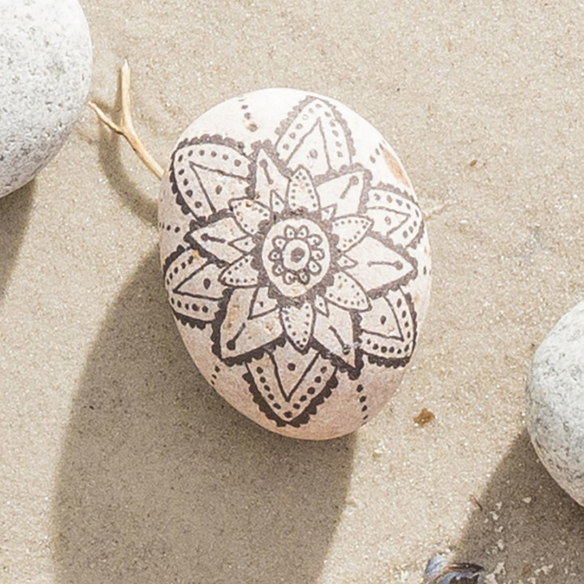 Doodle on stones