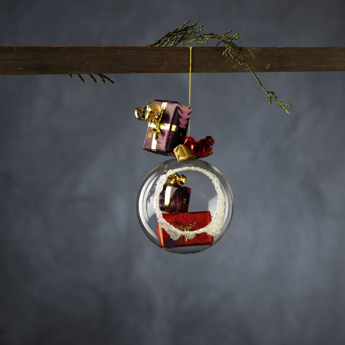 Decorate with mini Christmas gifts