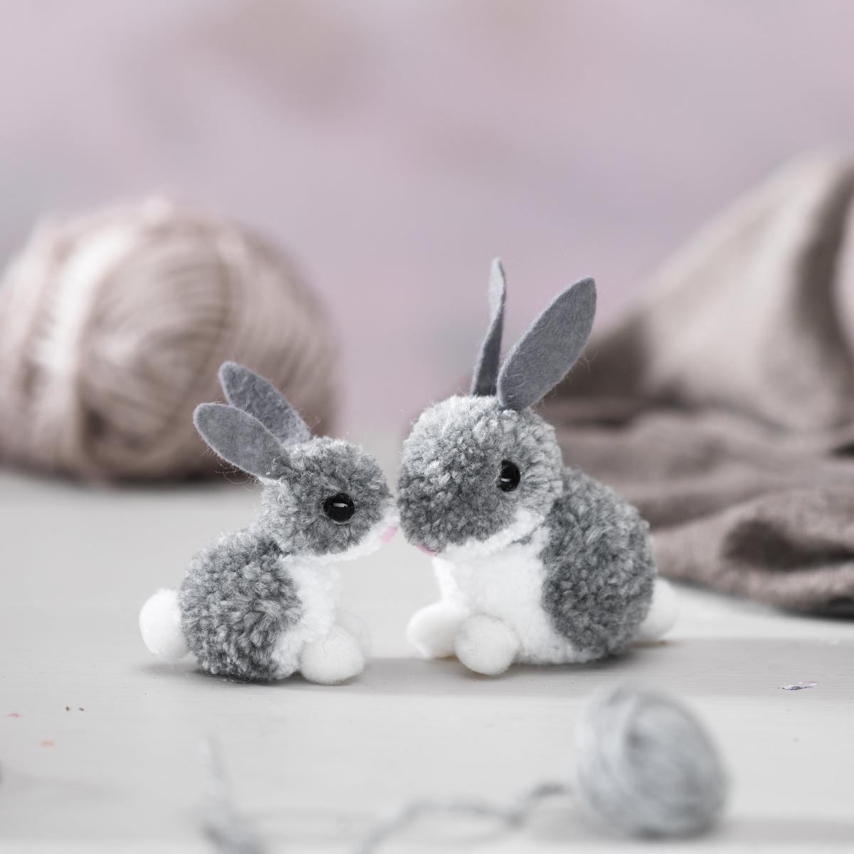 Make adorable pompom rabbits