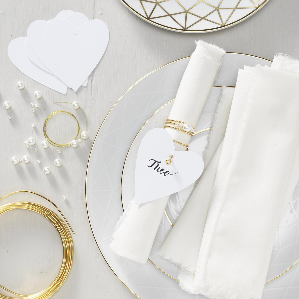 Lag elegante bordkort til festen