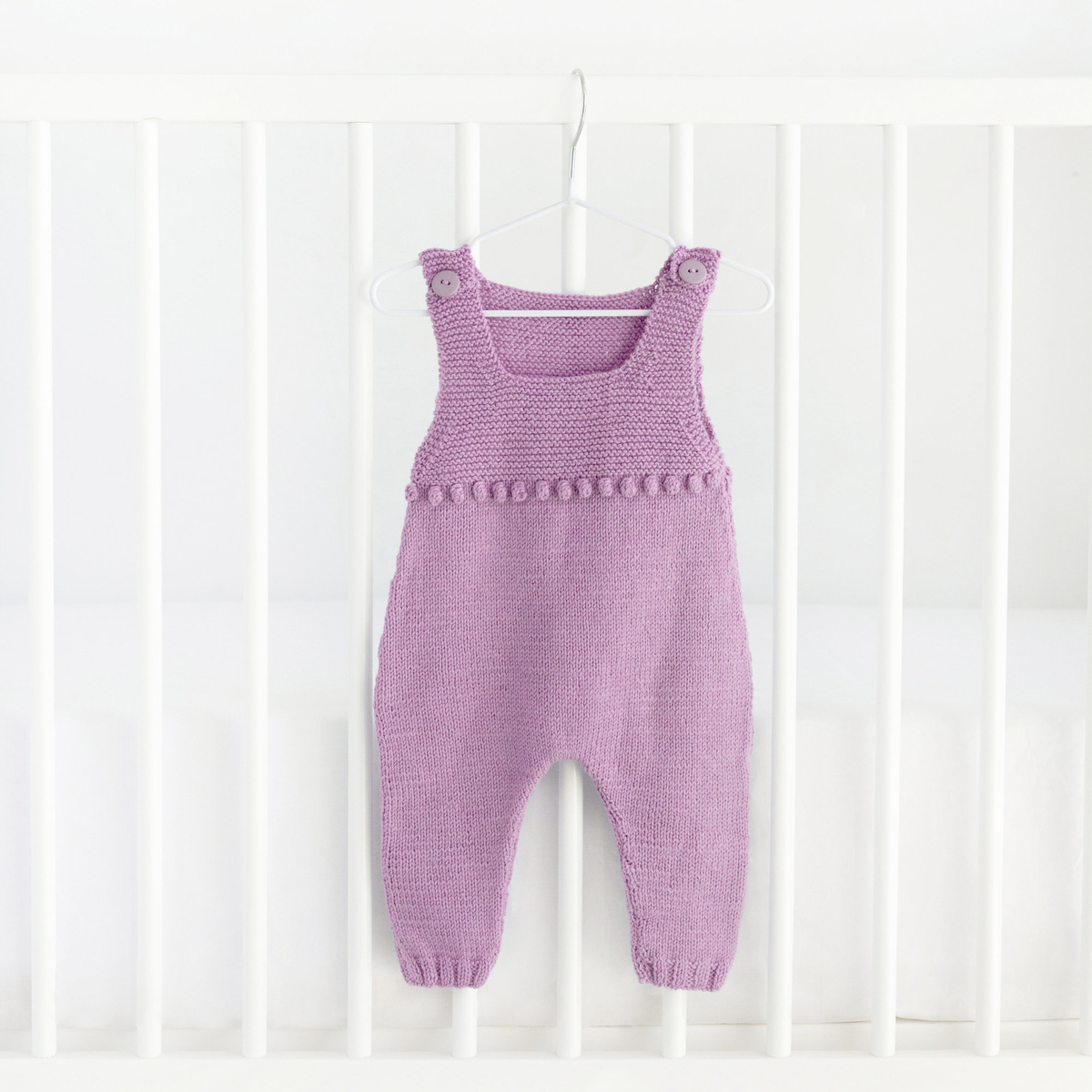 Knit a onesie with a bubble pattern