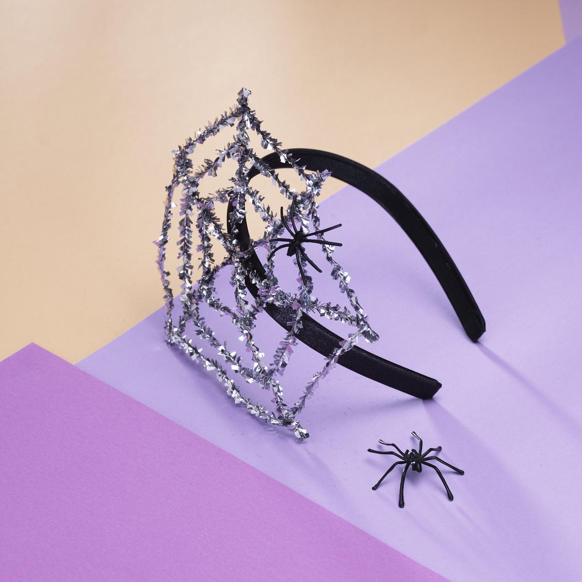 Lag et edderkoppdiadem