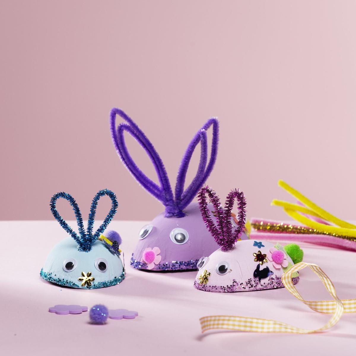 Lag en gjeng med kaniner til påske
