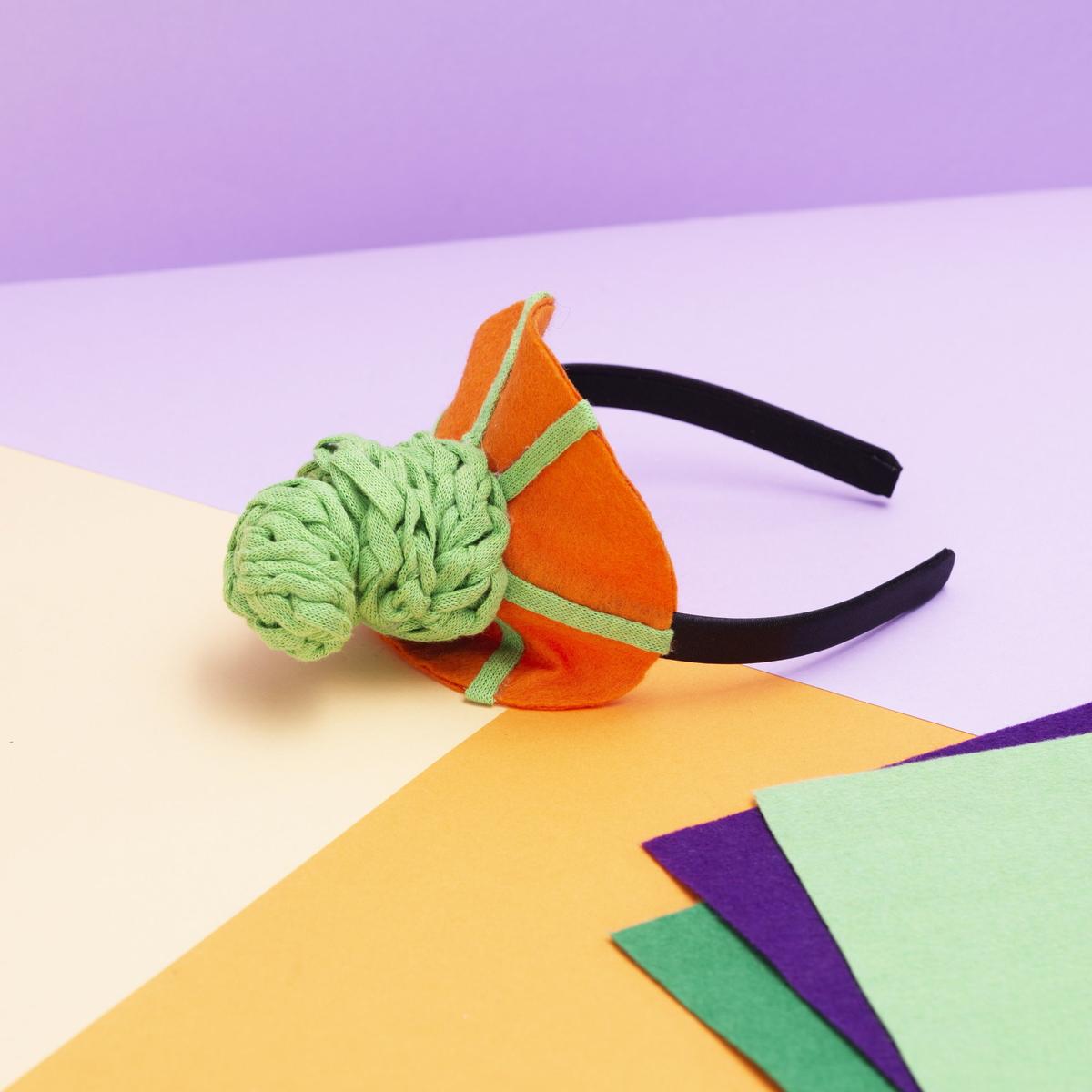Make a pumpkin hat